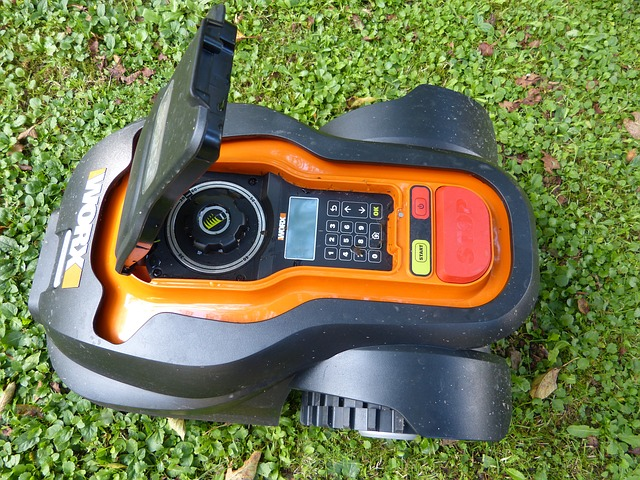 sekačka na trávu robot