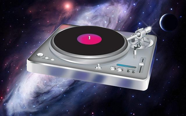 gramofon ve vesmíru.jpg