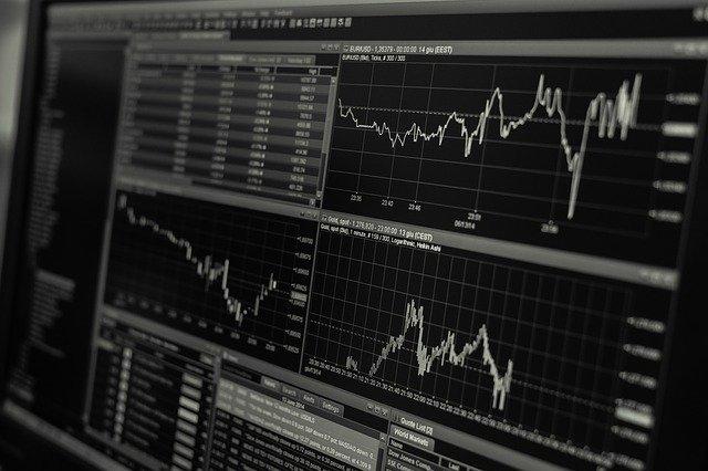 pokles výnosů dluhopisů