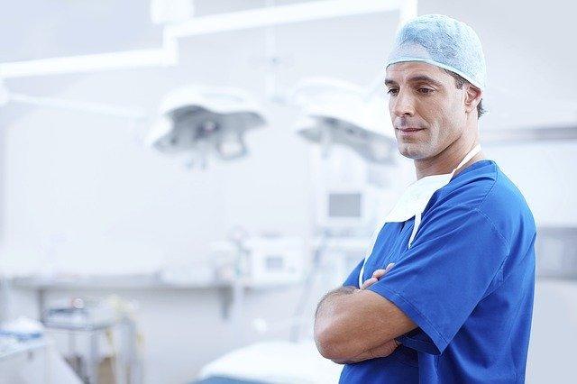 doktor s rouškou